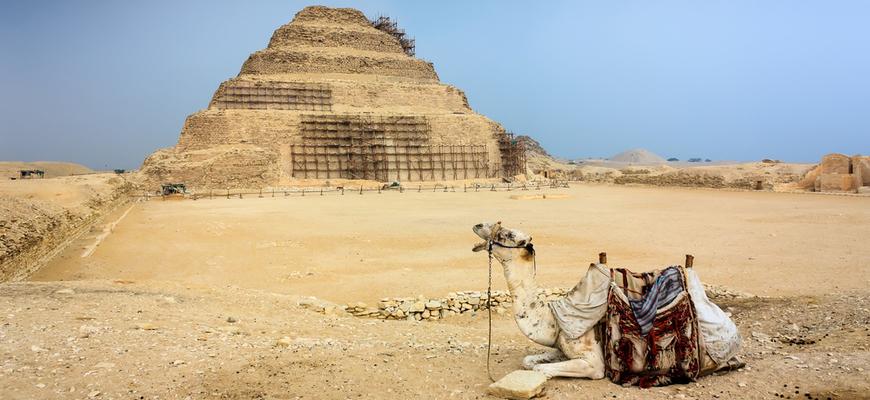 Saqqara Pyramid - Cairo trips from El Gouna - TripsInEgypt