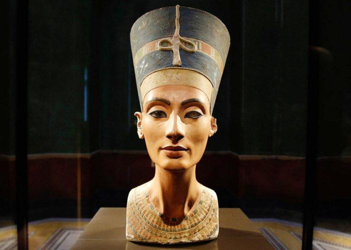 Queen Nefertiti - Trips in Egypt