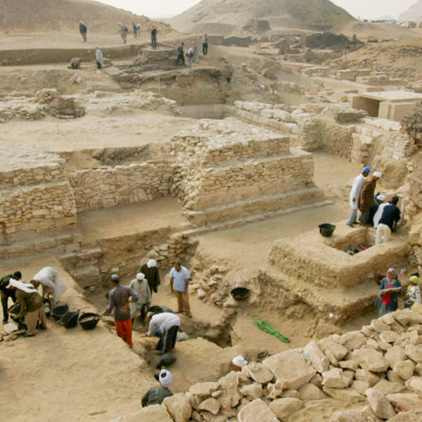 Pyramid of Queen Shesheshet - 4300 Year Old Pyramid Discovered in Egypt - Trips in Egypt
