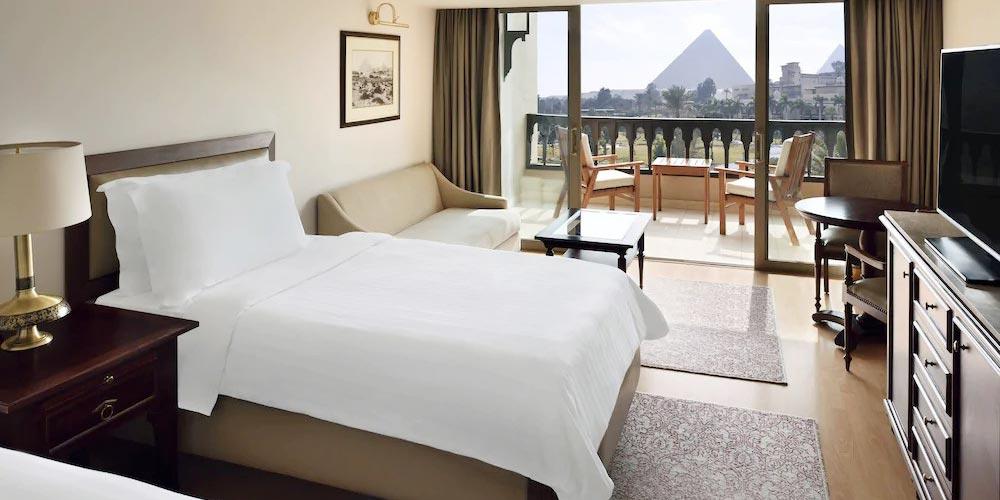 Bedroom of Marriott Mena House - Trips in Egypt
