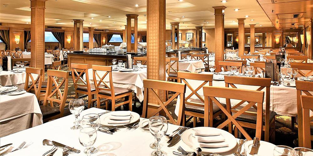 Resturant of Crown Jubilee Nile Cruise - Trips in Egypt