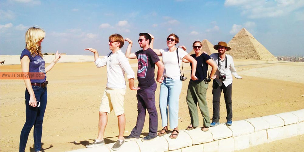 Giza Pyramids - Plan A Vacation to Egypt with Your Friends - Trips in Egypt